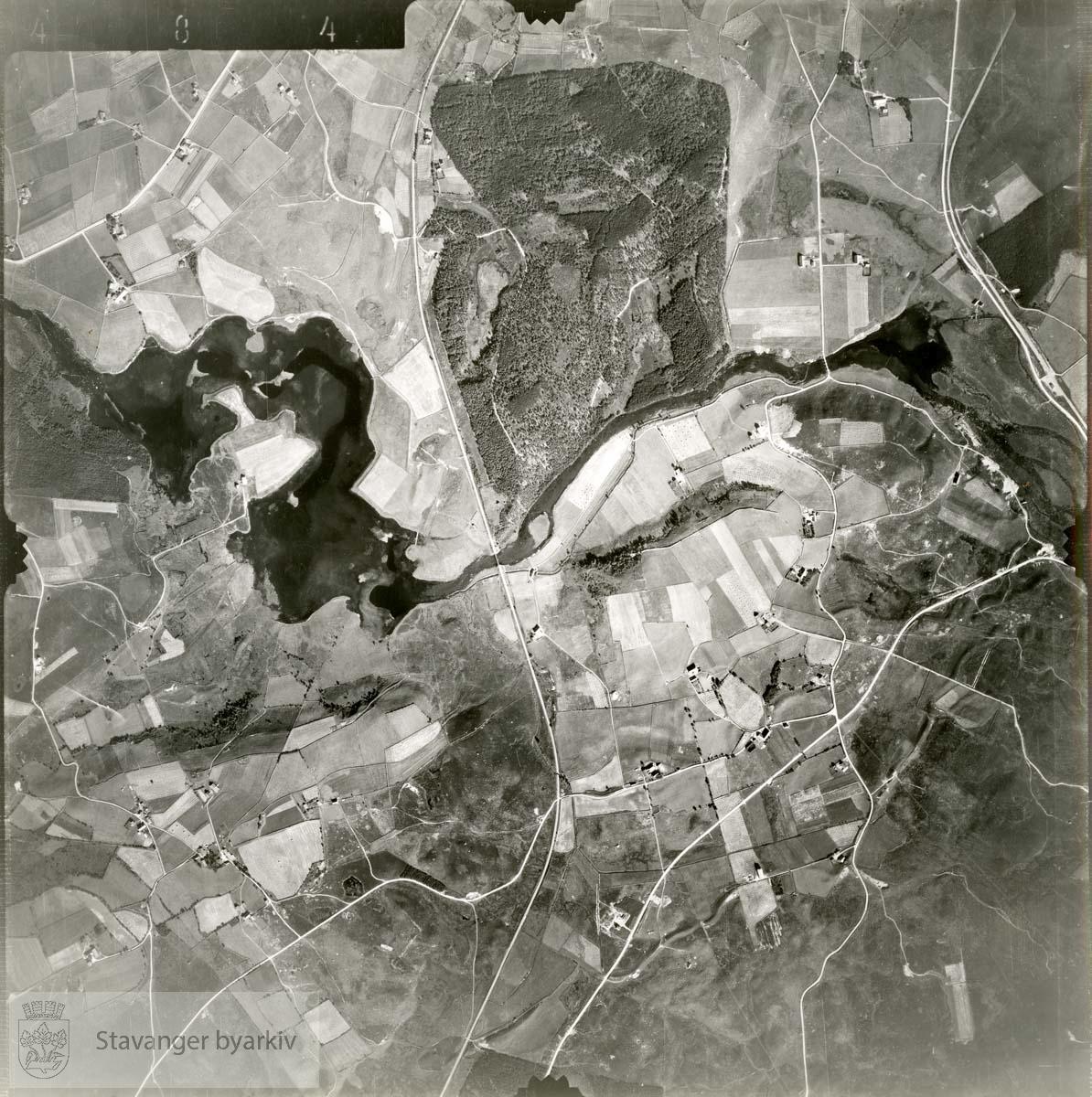 Jfr. kart/fotoplan E8/484..Orstad, Skjæveland, Vagleskogen..Se ByStW_Uca_002 (kan lastes ned under fanen for kart på Stavangerbilder)