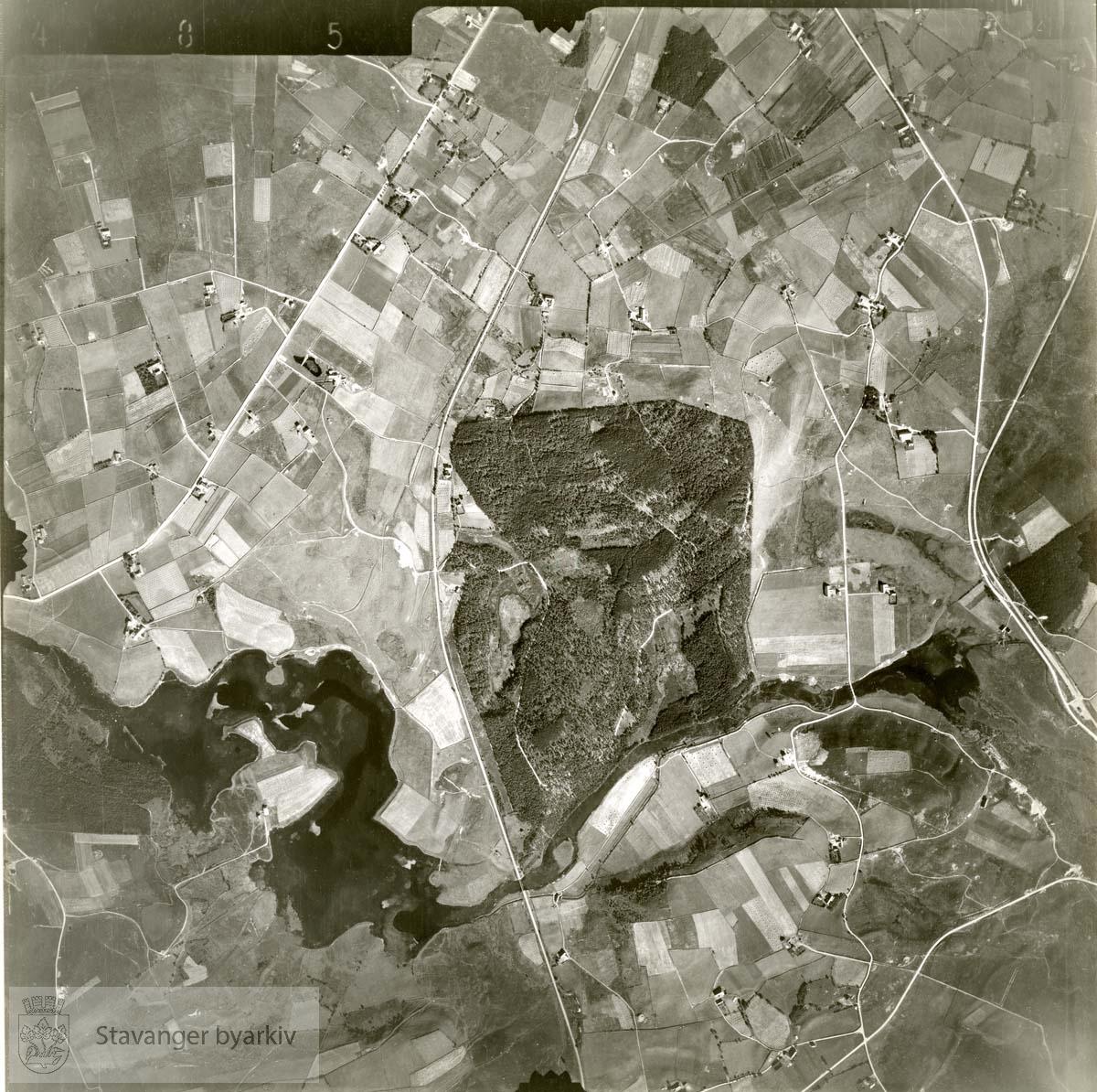 Jfr. kart/fotoplan E9/485..Skjæveland, Ganddal, Vagleskogen..Se ByStW_Uca_002 (kan lastes ned under fanen for kart på Stavangerbilder)