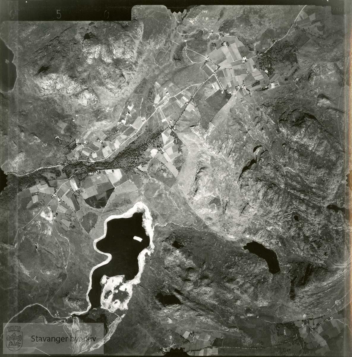 Jfr. kart/fotoplan I11/650..Skjelbreitjørna, Skjelbrei, Noredalen..Se ByStW_Uca_002 (kan lastes ned under fanen for kart på Stavangerbilder)