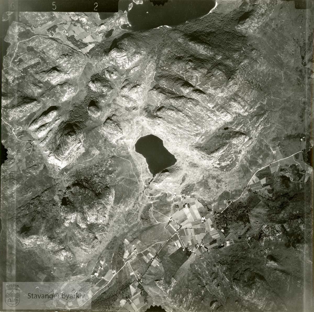 Jfr. kart/fotoplan I13/652..Duelifjellet, Nordlandstjørna, Dormelinuten, Storavatnet..Se ByStW_Uca_002 (kan lastes ned under fanen for kart på Stavangerbilder)
