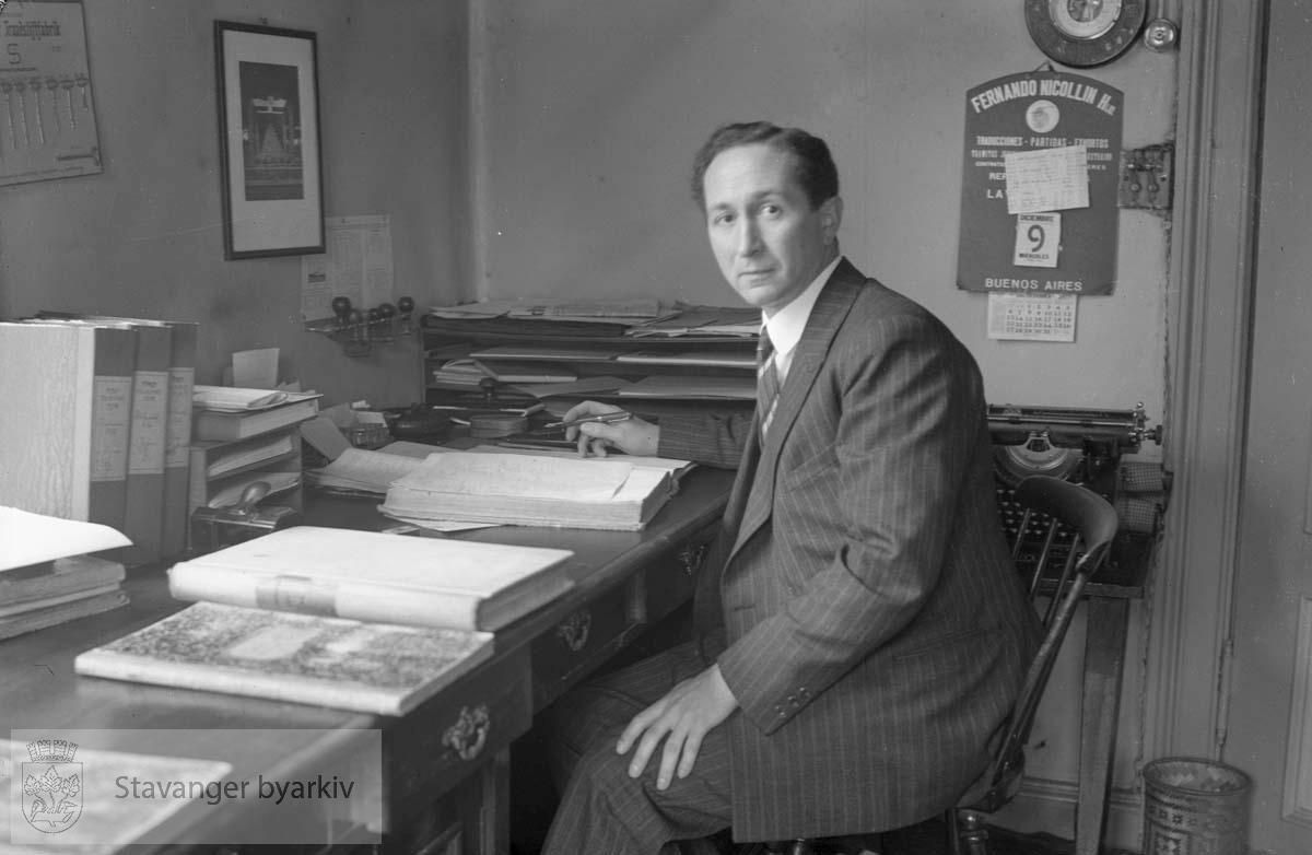 Thomas Thiis på kontoret.