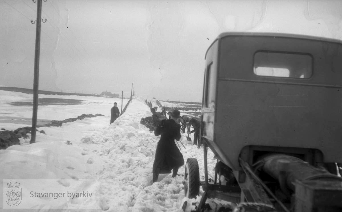 Snømåking på Skjævelandsvegen