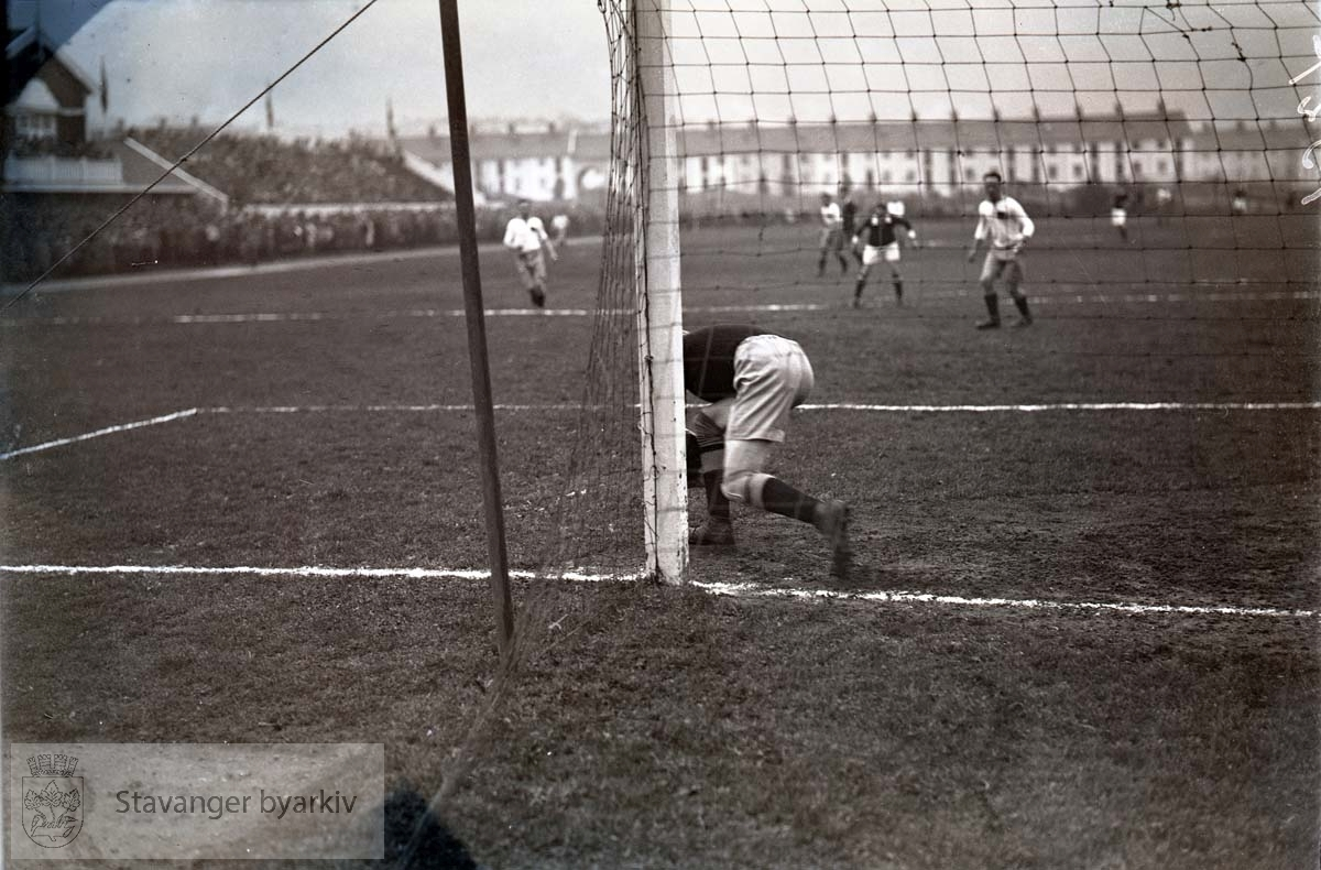 Muligens Brann - Viking (?) .Fotball.