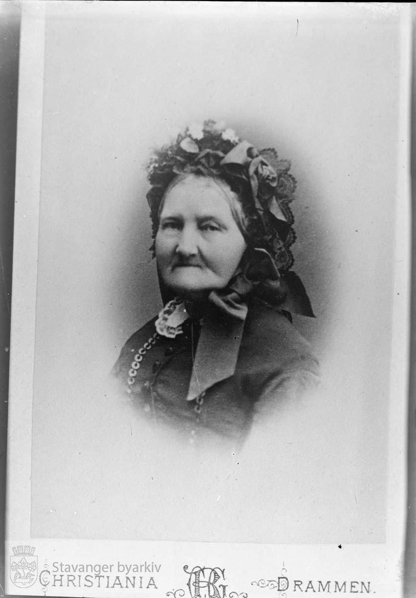 Kvinneportrett. Enkefru prostinne Nicoline Johanne Eckhoff født 12.09.1797