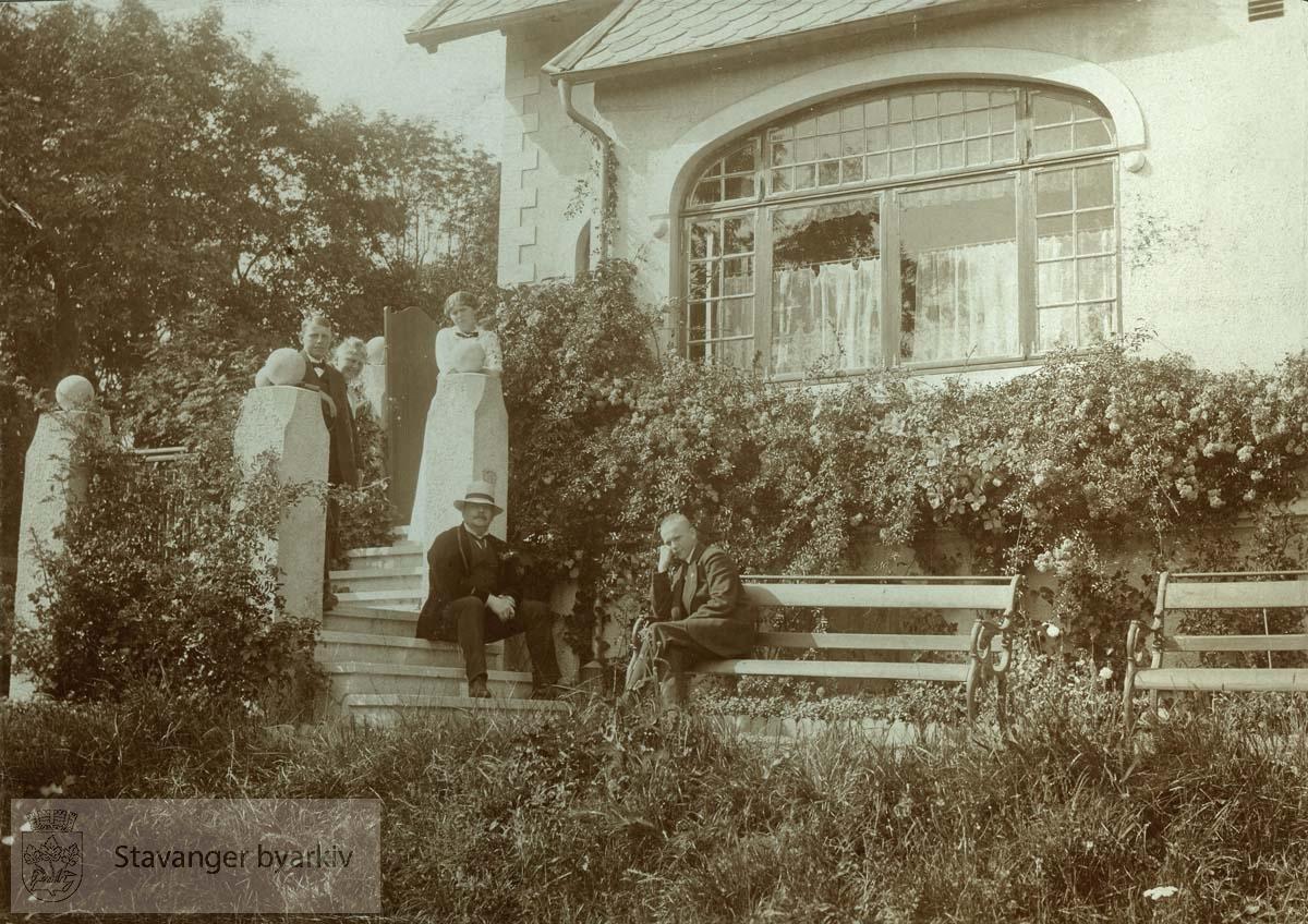 Georg T. Monsen og barna