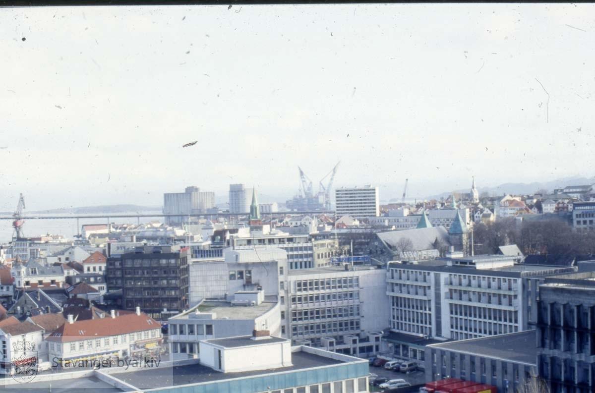 Utsikt over Stavanger sentrum mot østre bydel og Bybrua