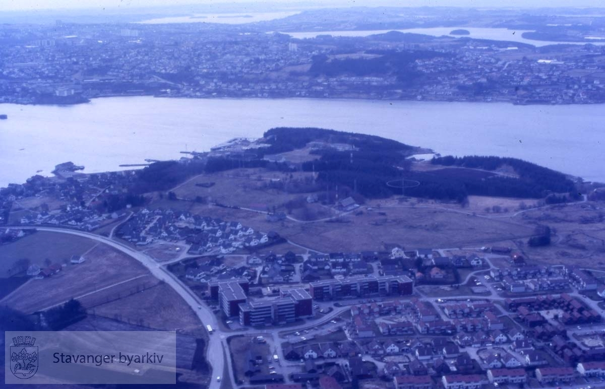 Bebyggelse på Hundvåg, sett fra lufta