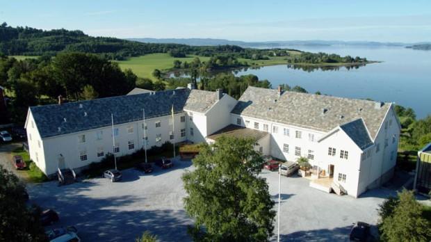 Sund folkehøgskole (Foto/Photo)