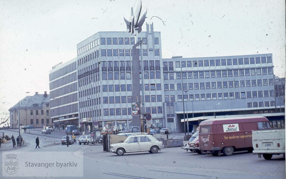 Ankerbygget og posthuset sett fra Skagenkaien