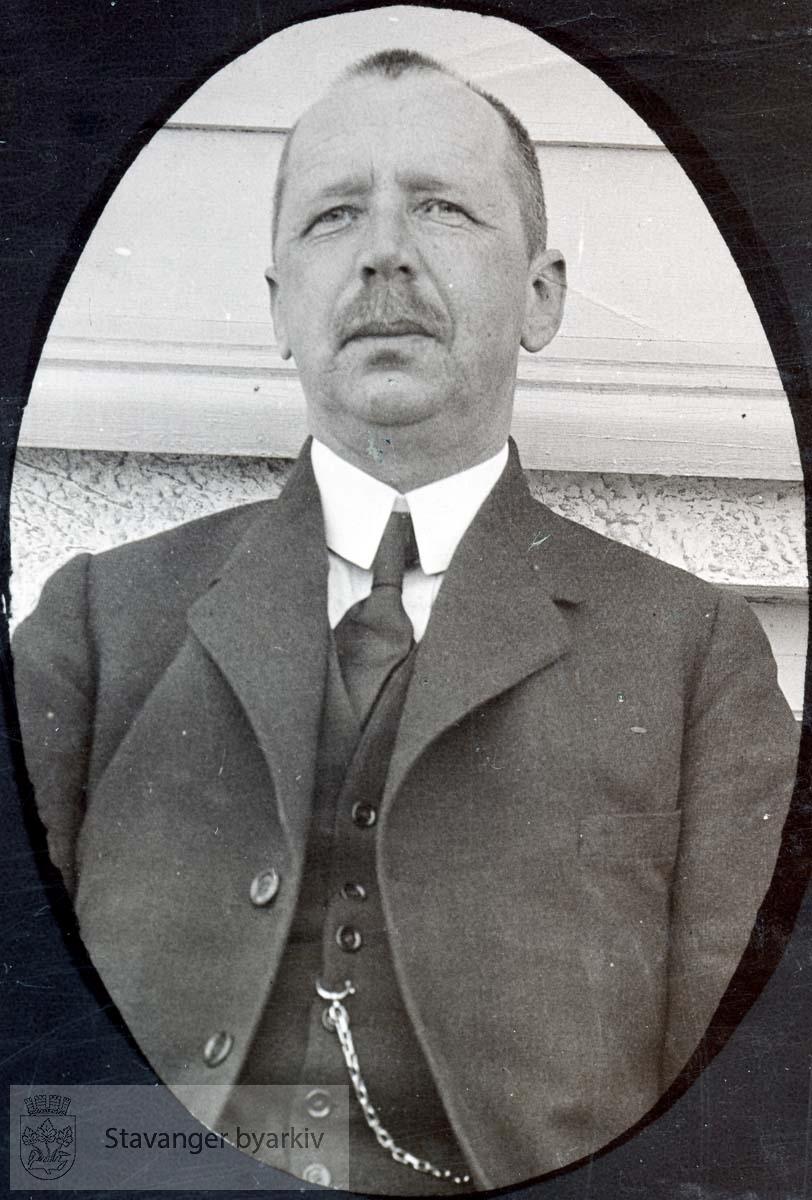 Peder P. Næsheim