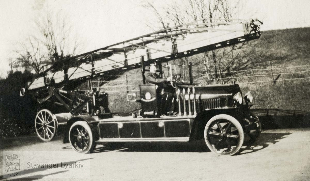 En av de tidlige stigebilene.