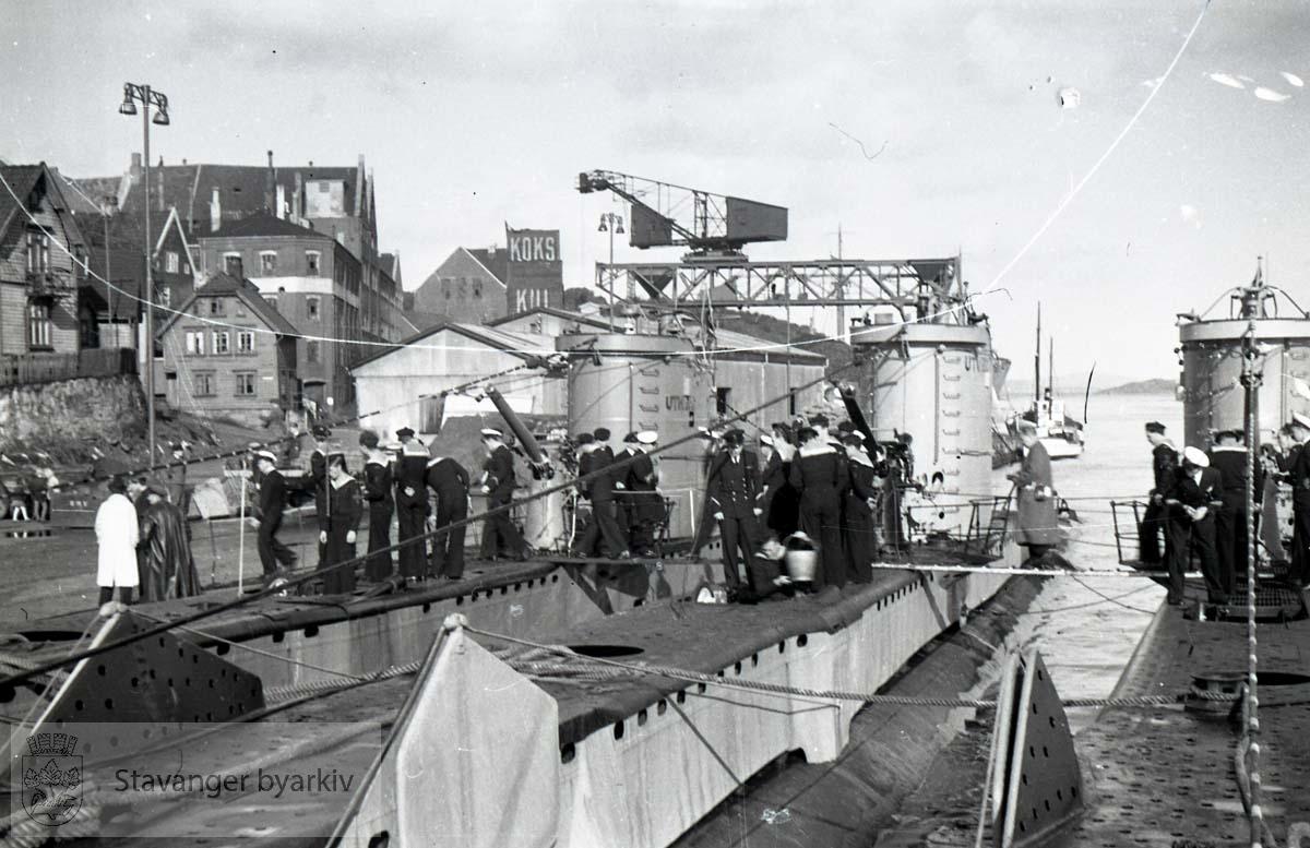 """Vågen .U-båtene heter """"Uthaug"""", """"Utvær"""" og """"Utstein""""."""
