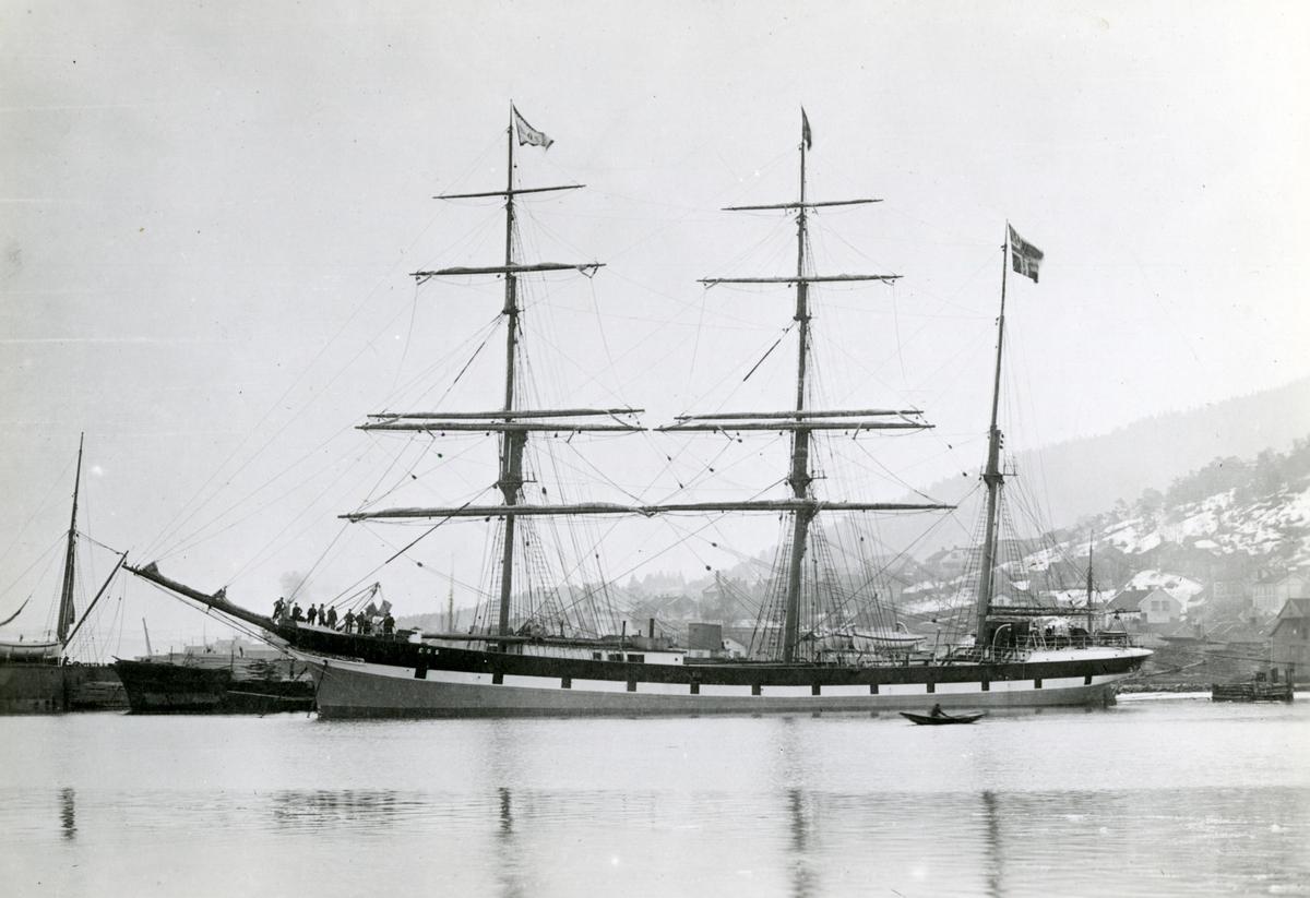Bark 'Eos' (b.1893, Fevig Jernskibsbyggeri, Fevik, Grimstad, Norge)