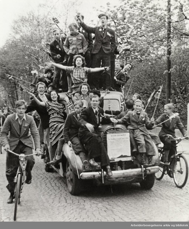 Frigjøringen feires i Oslos gater,.7. mai 1945...