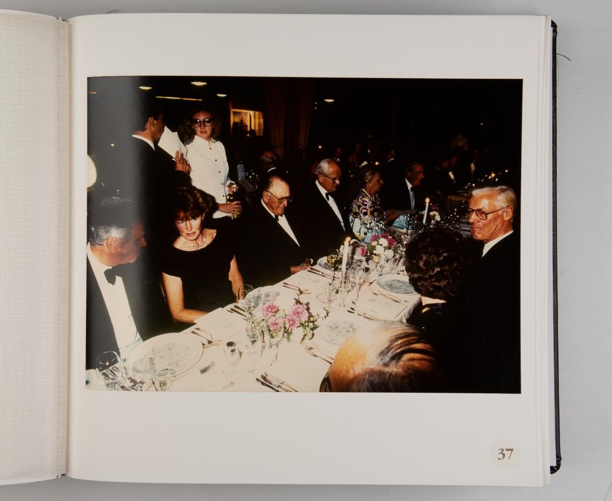 Album med fotografier fra Det Norske Veritas 125-års jubileum 1989, med Veteranbåtparaden arrangert i samarbeid med Norsk Sjøfartsmuseum 18. juni 1989