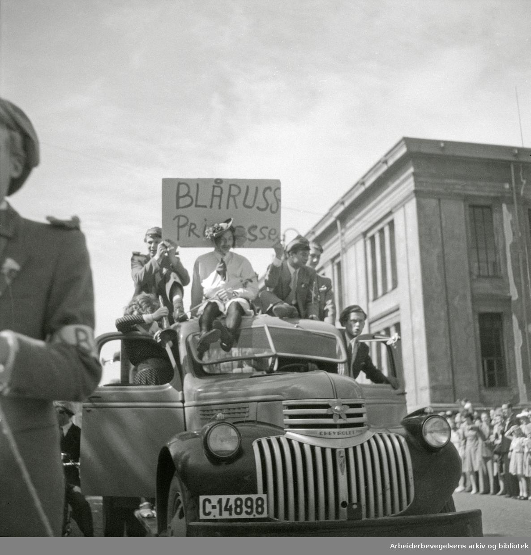 17. mai 1947. Russetoget. Blåruss. Russefeiring.