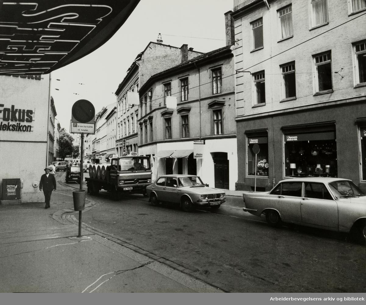 Kristian Augusts gate ved Stefanhotellet. 28. februar 1977