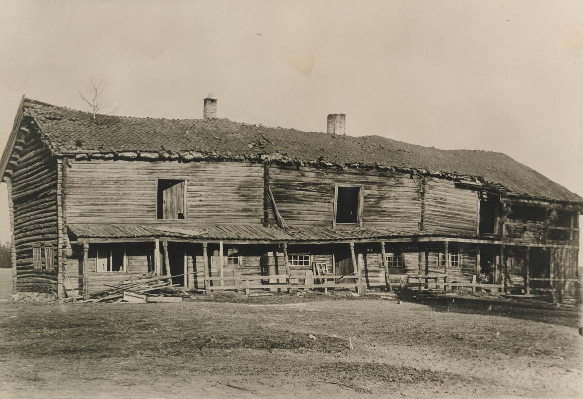 Svalgangsbygningen i forfall, ca. 1909