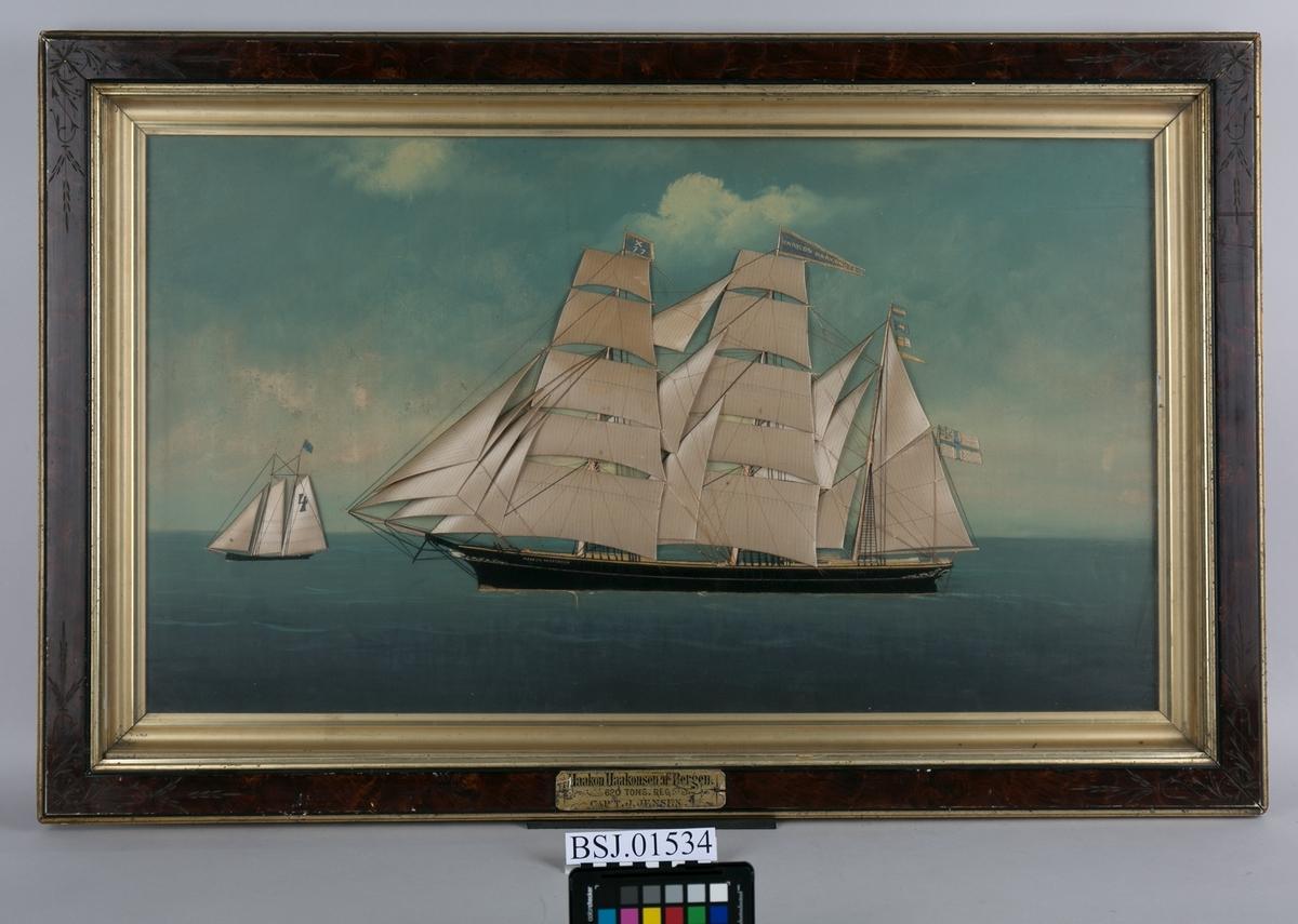 Skipsportrett av bark HAAKON HAAKONSEN. I matene føres signalflagg, navnevimpel og flagg med X77, samt norsk-svensk unionsflagg i akter. Til venstre i motivet ses også en typisk belgisk losbåt, men 4 på flagget.