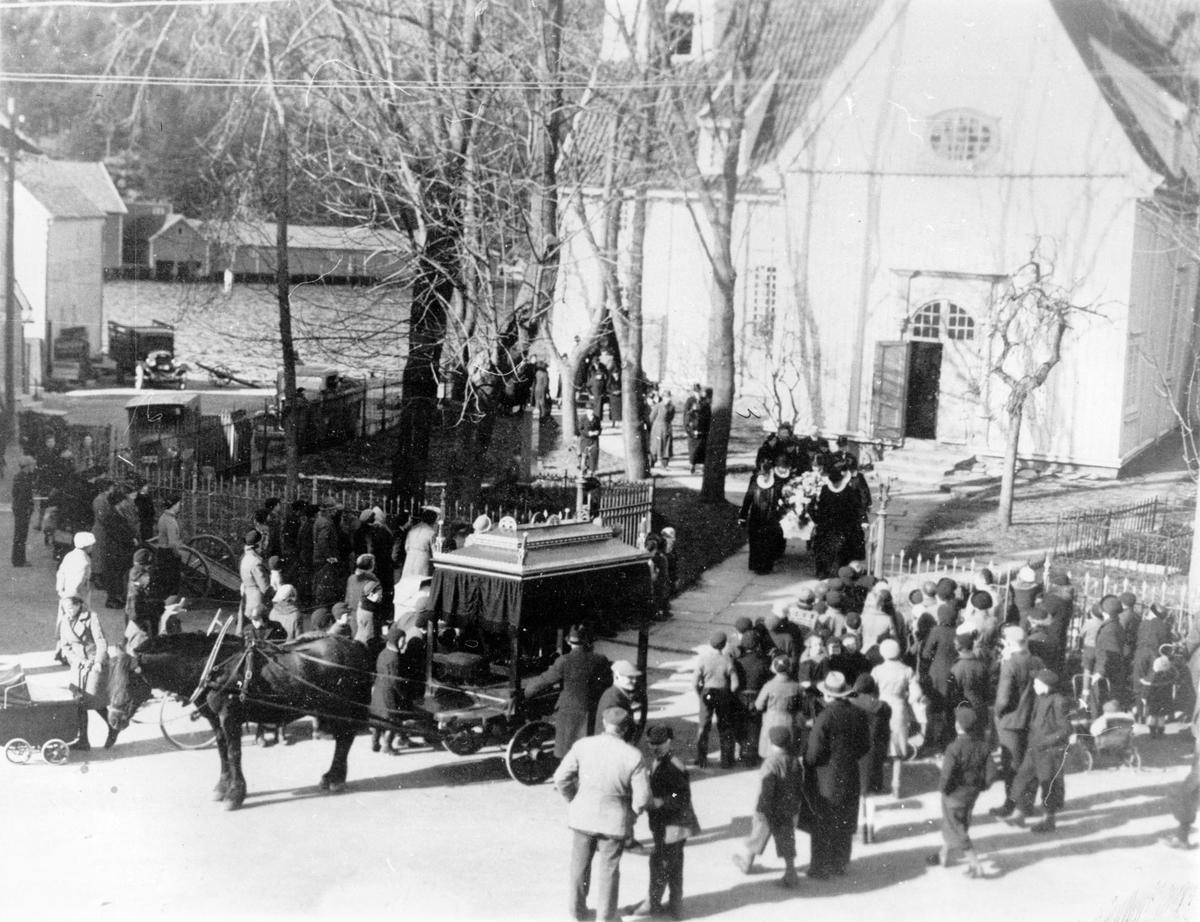 Sogneprest Peter Olsens begravelse fra Egersund kirke