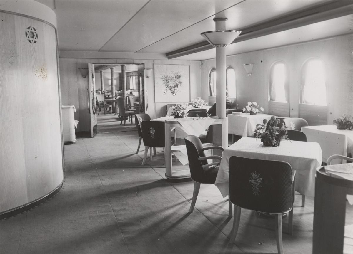 Salongen ombord i M/S 'Black Prince' (b.1938)