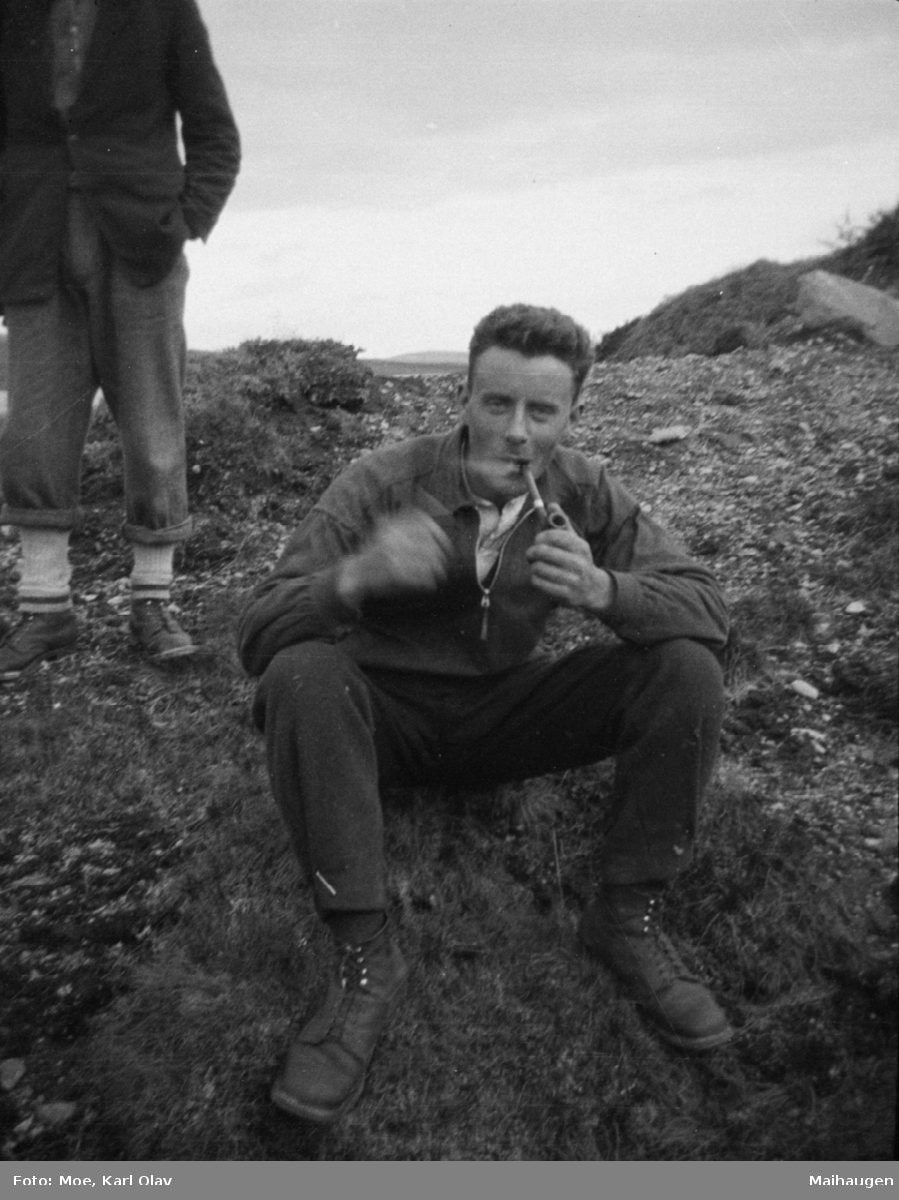 Karl Olav Moe, fotografen, med pipe.