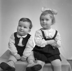 Kirsten Valberg med bror