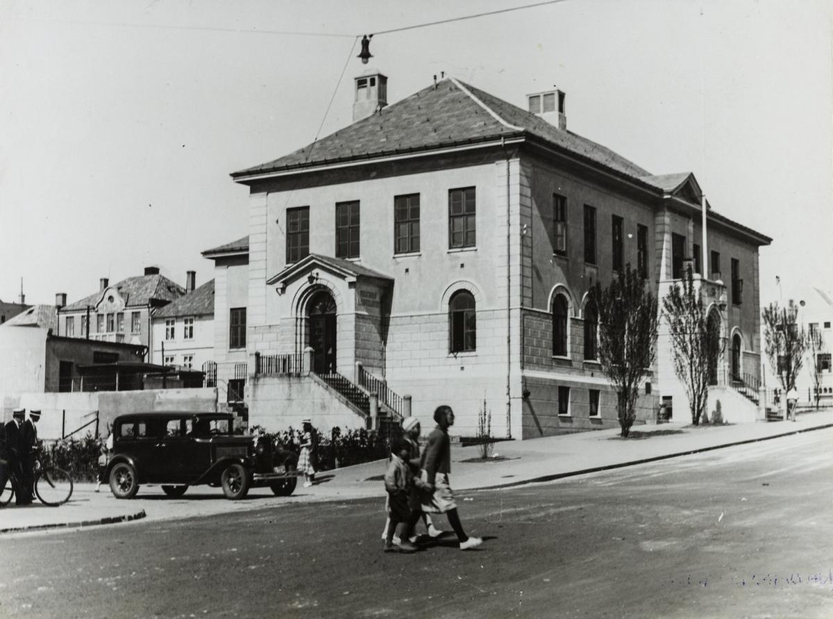 Hjørnet Sørhauggata - Torggata sett mot nordøst, 1934.