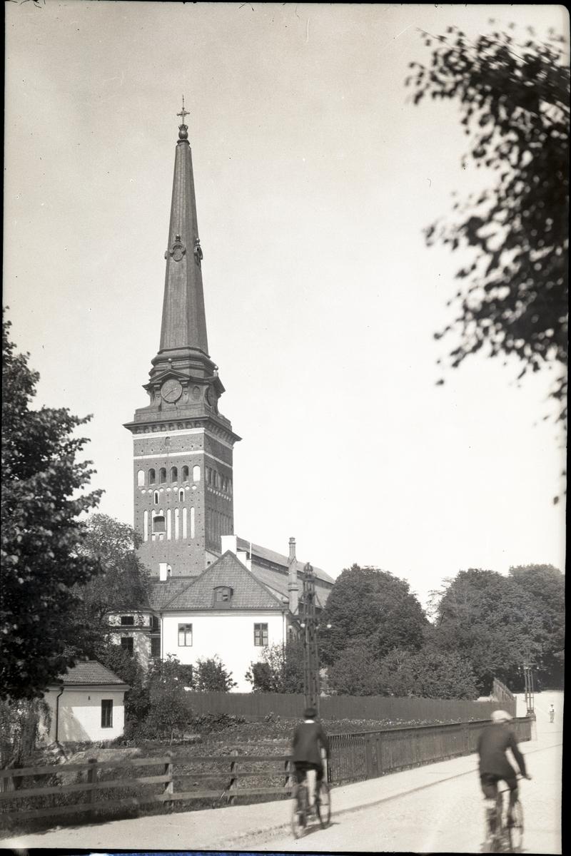Västerås Domkyrka sedd från Biskopsbron.