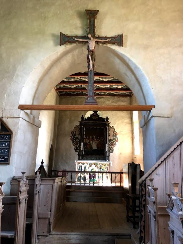 Interiør, Tingelstad gamle kirke. Foto: Randsfjordmuseet