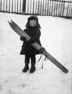 Gutt  med ski, Anders Beer Wilse, Norsk Folkemuseum. Foto/Photo