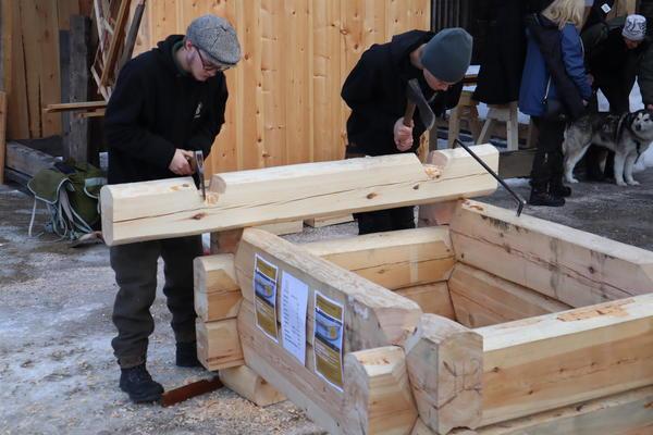 Lafting Hjerleid Handverksskolen Dovre. Foto/Photo