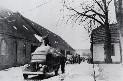 Depotene_i_Gamelbyen_tmmes_9.april_1940.jpg