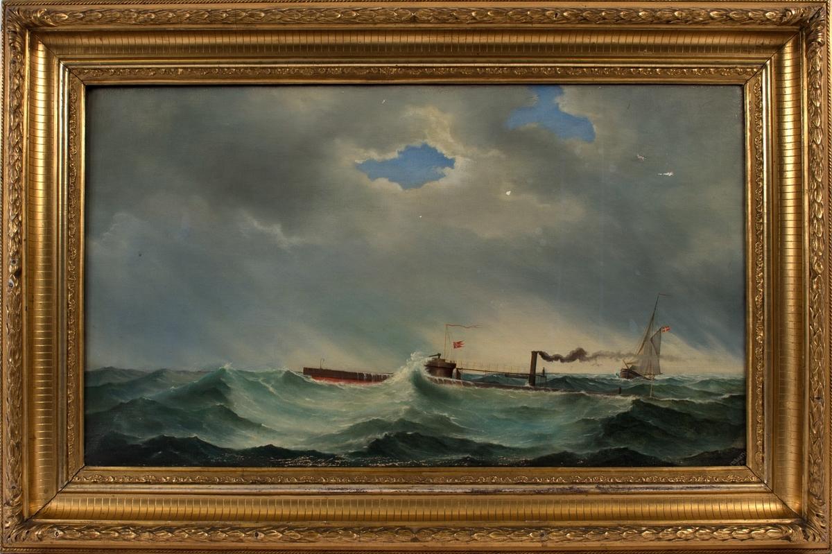 Monitor THOR (trolig) på åpent hav. Skipet fører norsk unionsflagg. En person sees på dekk. Til høyre i motivet sees seilfartøy som fører dansk flagg.