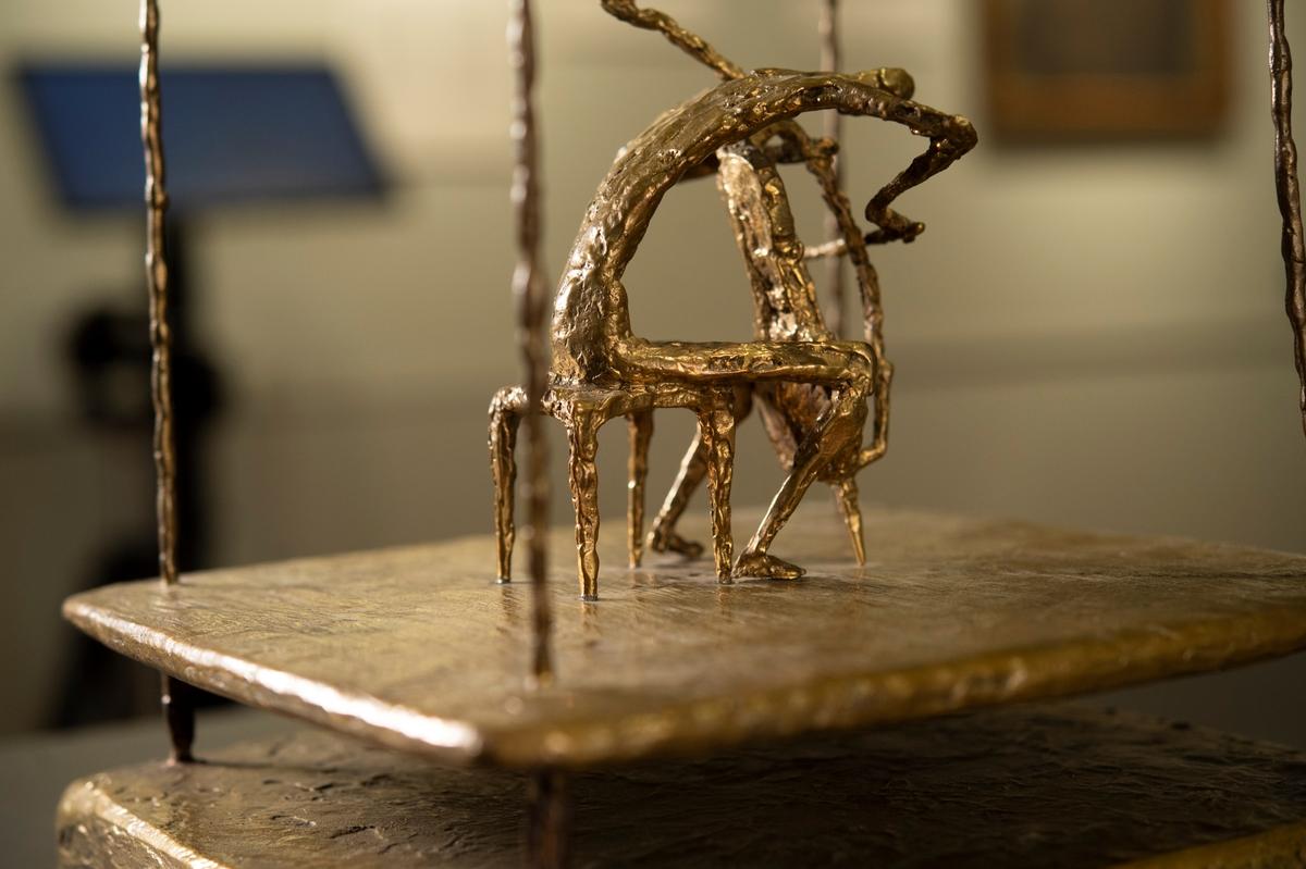 Cello [Bronsskulptur]
