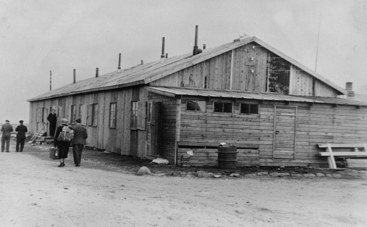 Fra gjenreisningen. Boligbrakke i Vadsø, 1946.