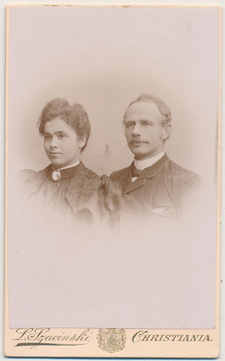 Portrett av mann og kvinne, ukjente