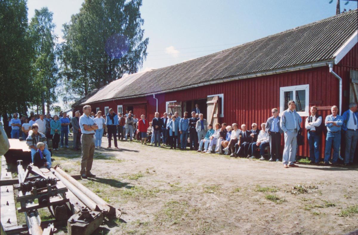 Til tross for varierende vær strømmet publikum til åpningen. Foto: Per Emil Berg (Foto/Photo)
