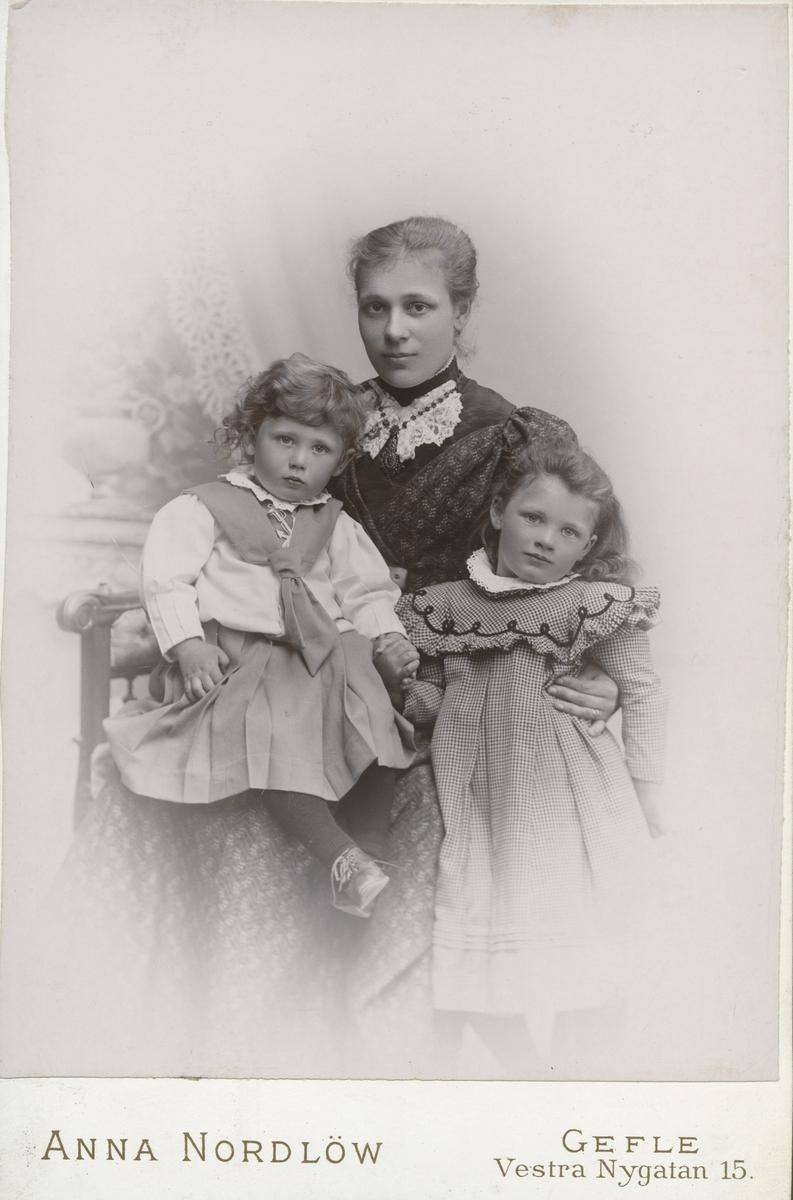 Kvinna med barn.