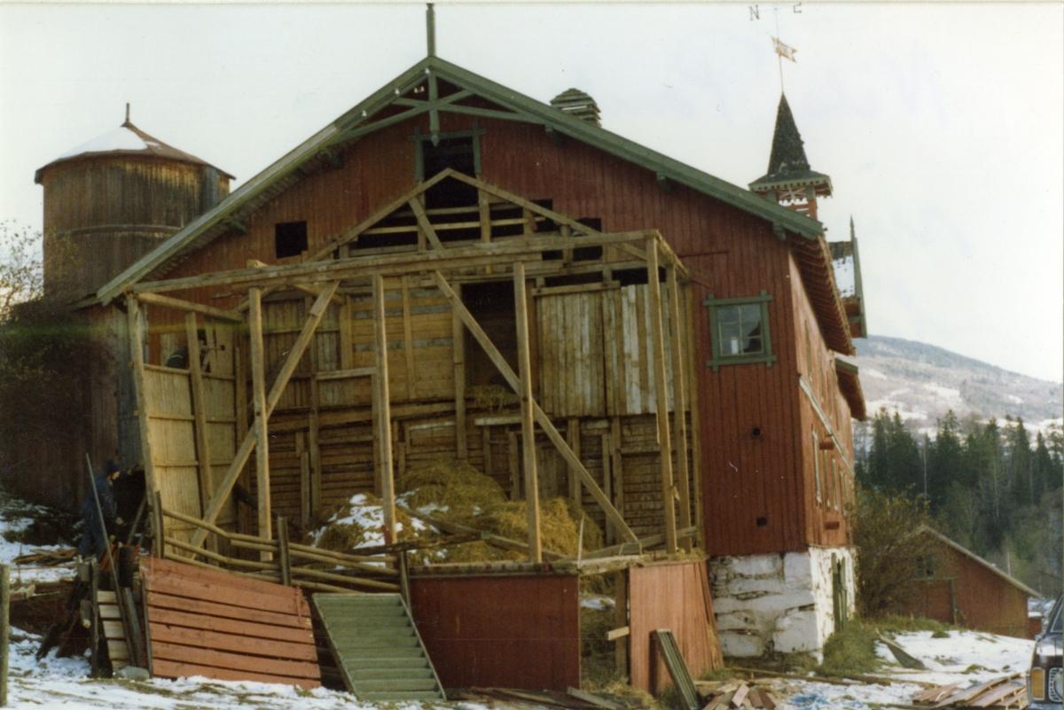 DOK:1981, Aulestad, låve, halmhus, riving,