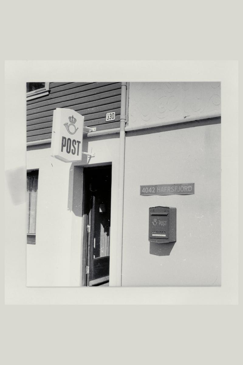 eksteriør, postkontor, 4042 Hafrsfjord, postkasse, postskilt, stedsskilt