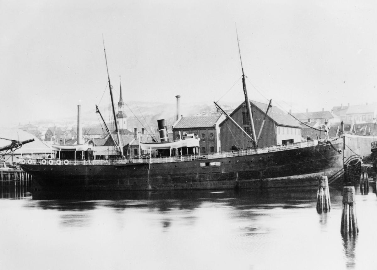 transport båt, eksteriør, D.S. Henrik Wergeland, ved havn