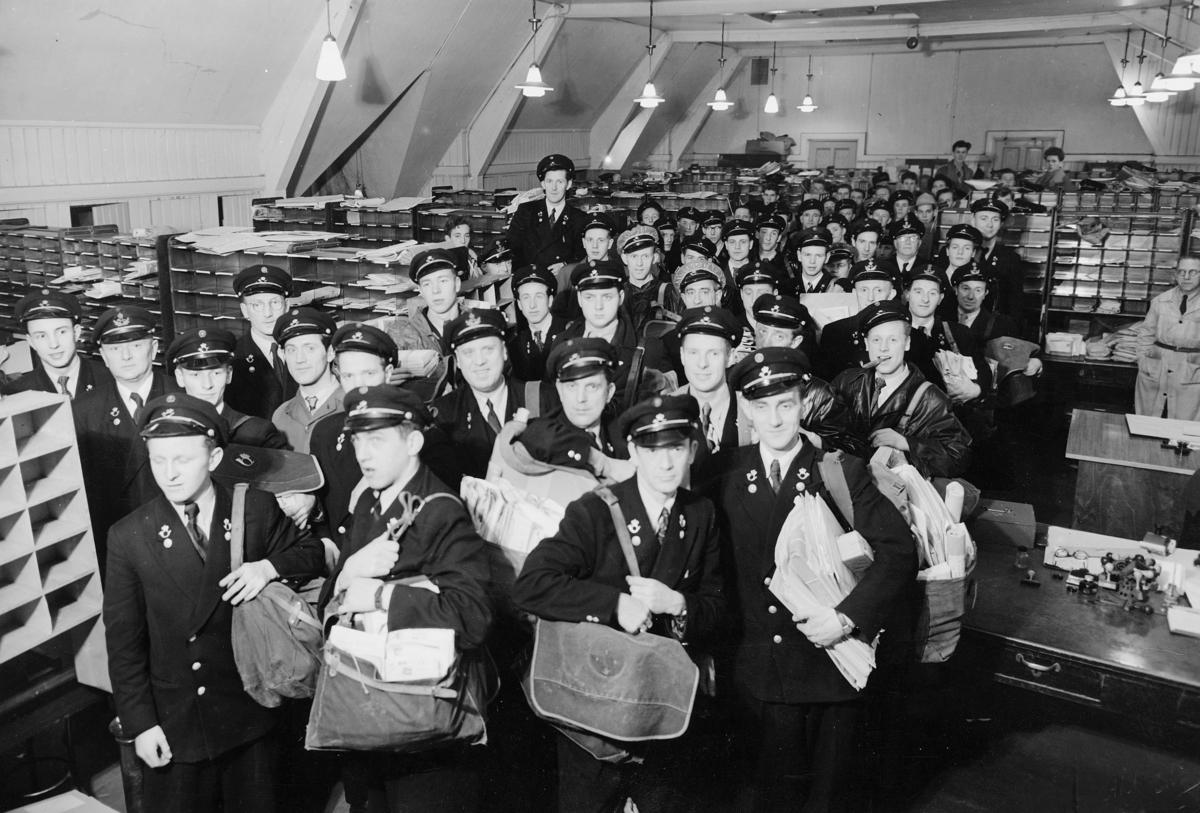 omdeling, 5002 Bergen, en gruppe postbud på vei ut