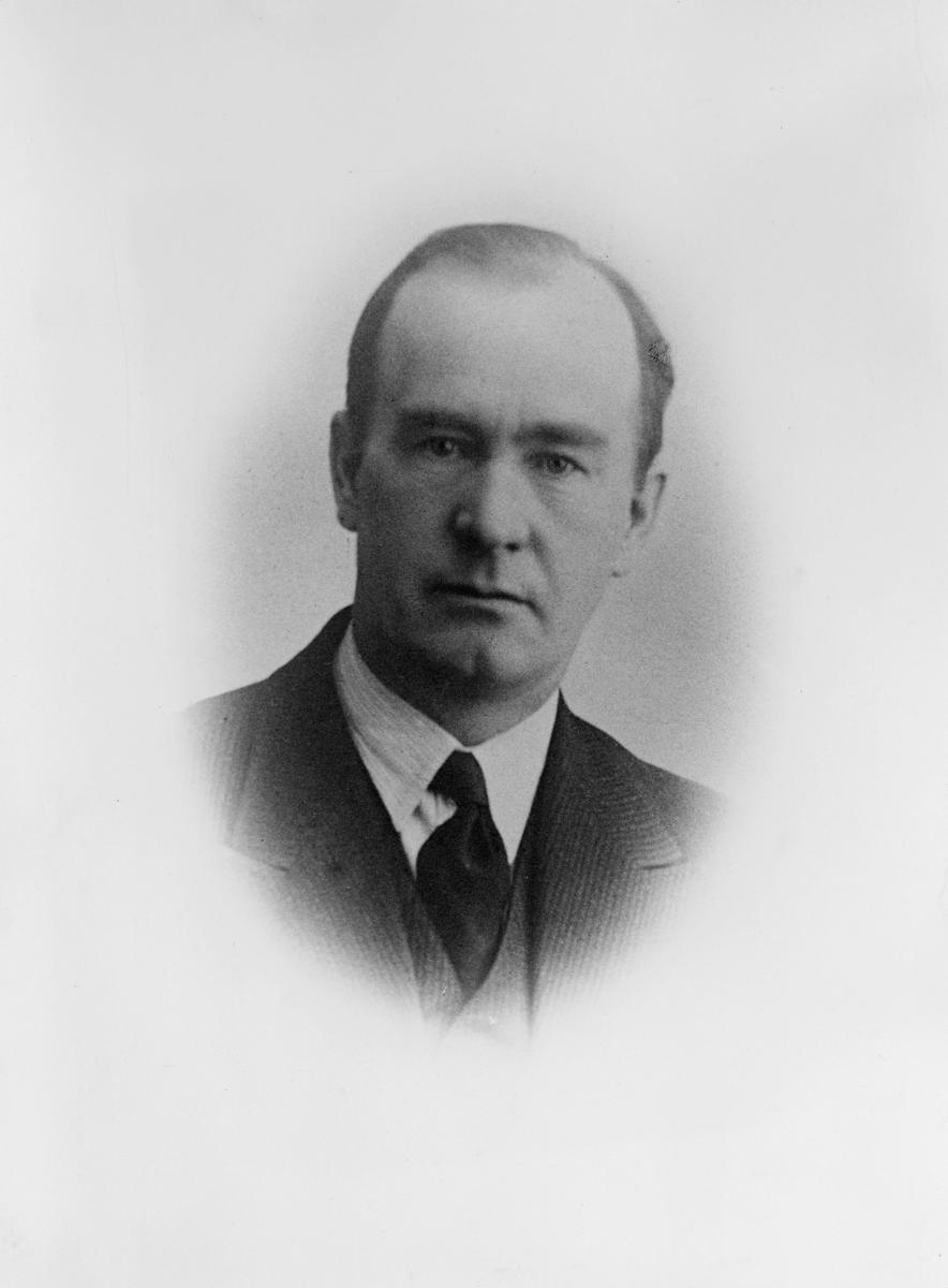 portrett, postmester, Arthur Ingvard Brun Svendsen