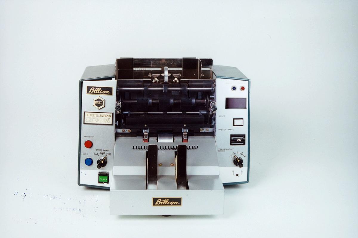 Postmuseet, gjenstander, seddeltellemaskin, Billcon R-800K MFG.NO 3097.