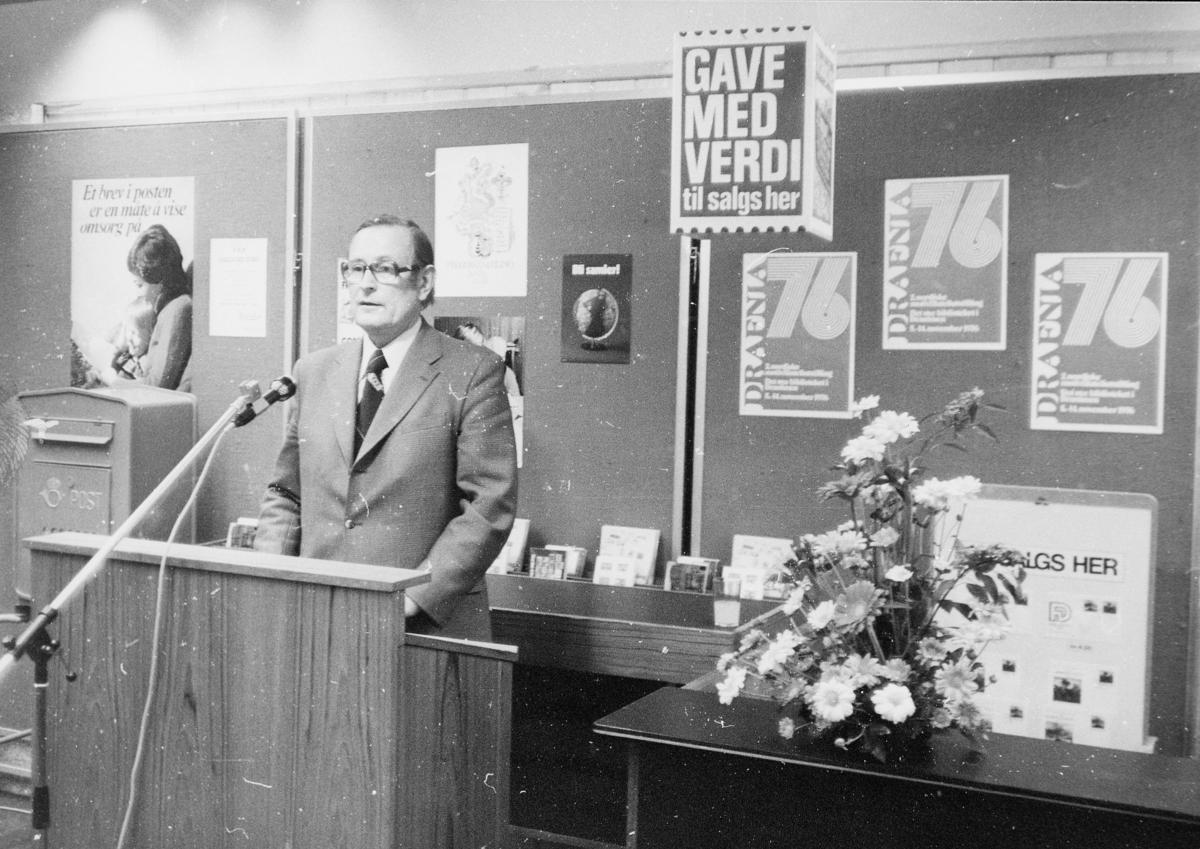 markedsseksjonen, nasjonal frimerkeutstilling, Filos 76, 8.-17. oktober, Ragnvald Rustung Bru holder tale