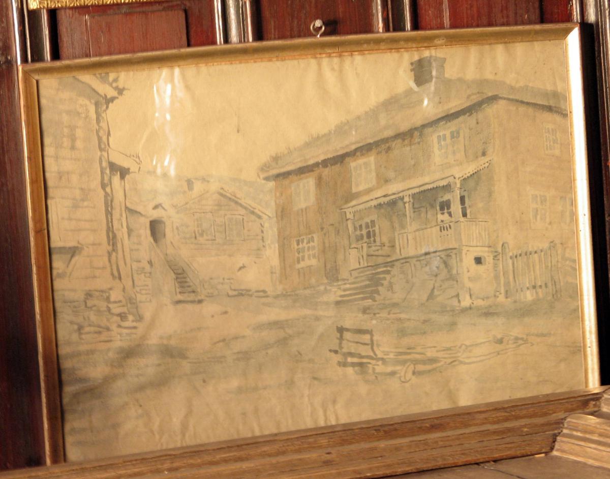 Rektangulær. Gårdstun; 2-etg. bygn. m. veranda tilh.; brun; i bakgr. 1-etg. tømret hus m. høy trapp