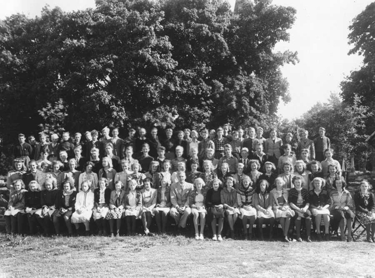 Konfirmasjon 1. okt. 1940. Presten var Sunde Øyestad