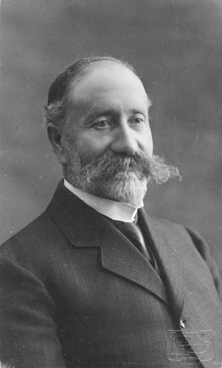 Anton Gunerius Pettersen.