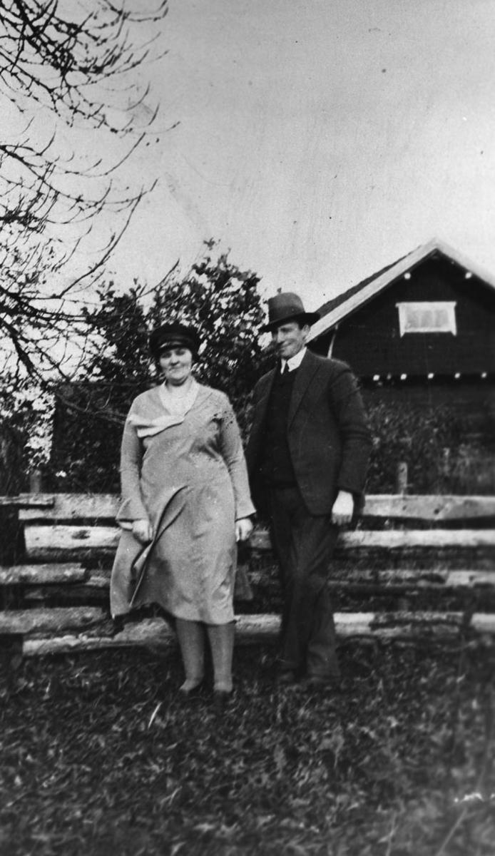 Tante Hilda og onkel Johan.